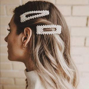 2 Pieces - Trendy Pearl Hair Barrettes Clips Set